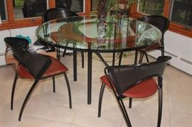 "Contemporary Italian 42"" Round Table with Metal/Leather Chairs, Looks Like New."