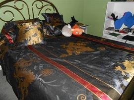 Dragon comforter set