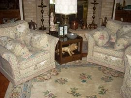 Decorator Items, Lamp      (Chairs and End Table Sold Friday)