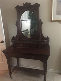 antique    beautiful piece-vanity/dressing