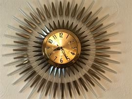 GE Starburst clock