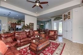 Like New, Southern Motion Leather sectional all power reclining