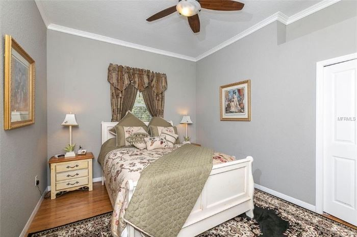 Mix matched queen bedroom set, will sell separately