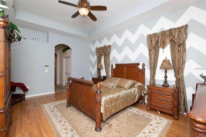 Beautyrest renew queen adjustable base bedroom set