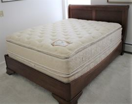 Queen Bed: With or without mattress & box spring.