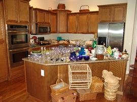 Kitchen glass ware and picnic baskets