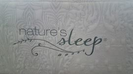 $3500 NEW, ONLY 2 YR ONLY KING UPSCALE MATTRESS!