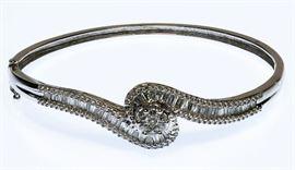 14k White Gold and Diamond Hinged Bangle Bracelet