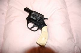 .22 Pistol Revolver