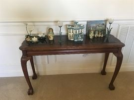Sofa table with home de'cor