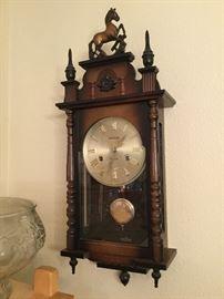Aikosha 31 day wall clock with key and instructions