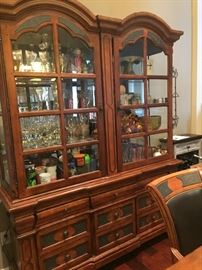 China Cabinet 9 drawers