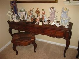 Hammary Brand Sofa Table, Caned Top Bench Table, Assorted Figurines