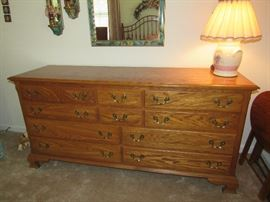 Nice oak dresser - matching nightstands