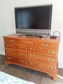 Dresser (comes with mirror as well though not pictured yet)