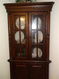 Very nice corner cabinet
