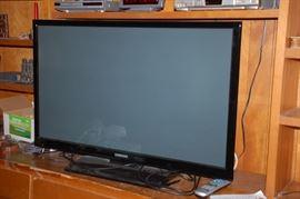 "Samsung TV (48"")"