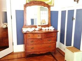 Antique Oak 4 Drawer Dresser w/ Mirror