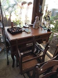 Gorgeous desk!