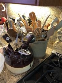 Stoneware, utencils