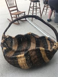 Very large display basket