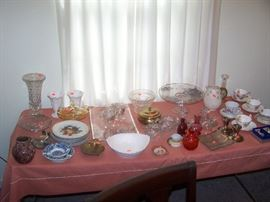 TABLE OF GLASS & MISC.