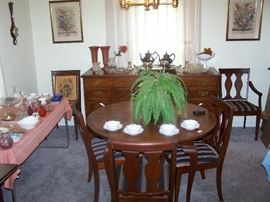 DARK CHERRY DINING  TABLE/ 6 CHAIRS/ 2 LEAVES/ PADS & BUFFET