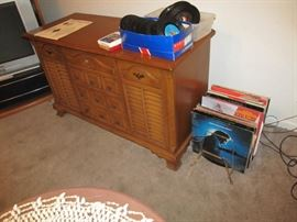 hi-fi. radio works, sort-of; 8-track gets power and that's all; phonograph dead
