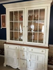 Lexington Furniture - Glass-front China Cabinet