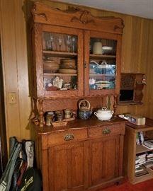 Oak side board buffet