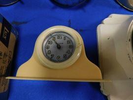 Radium vanity clock