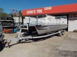 1997 24' Lowe pontoon boat with 115 HP mercury