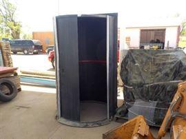 Revolving darkroom door, wheelchair accessible