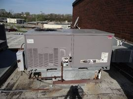 Carrier 5 Ton Roof Top Heater/Air Conditioner Mode ...