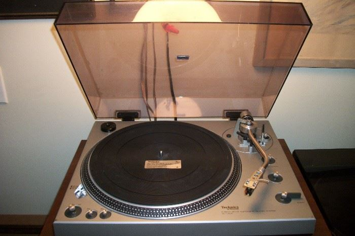 Technics SL 1300  excellent working condition serviced