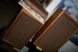 Realistic speakers, 100s of Books, many large Art Books