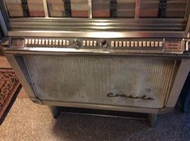 1950's Wurlitzer Jute Box, plays 45's
