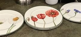 "Villeroy & Boch ""Luxembourg"" pattern set of dishes"