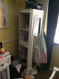 Vanity closet shelf