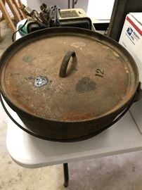 12 QT Cast Iron Pot