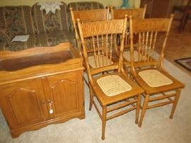 Set 4 chairs and dry sink