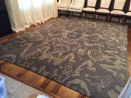"Hand woven dark and light grey print rug 118"" x 166"""