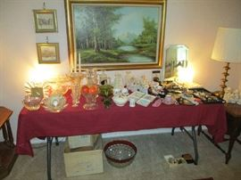 FRONT TABLE-GLASS/LEFTON/COSTUME JEWELRY
