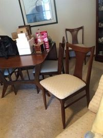 Vintage Drop Leaf Dining Room Table & Chairs  & 2 leafs ~ Excellent Condition