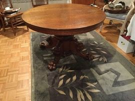 Claw Foot Round Oak Table with Lion Heads