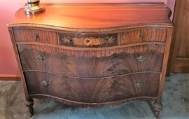 Vintage Breakfront Low Boy Dresser     http://www.ctonlineauctions.com/detail.asp?id=715891
