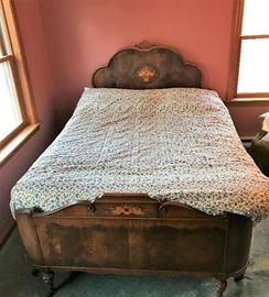Vintage Full Size Bed   http://www.ctonlineauctions.com/detail.asp?id=715908