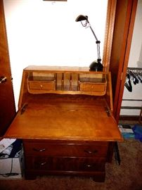 desk open