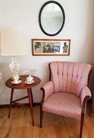 Vintage Tufted Parlour Am Chair