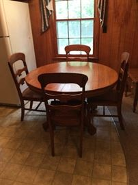 Vintage round oak table and 4 oak chairs